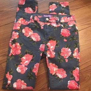 🍒Old Navy Rockstar floral jeggings Stretch